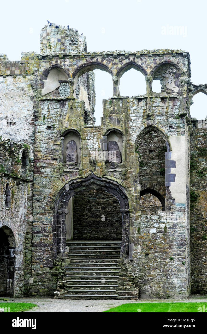 Ruins of The Bishop's Palace.  St. David's, Pembrokeshire. - Stock Image