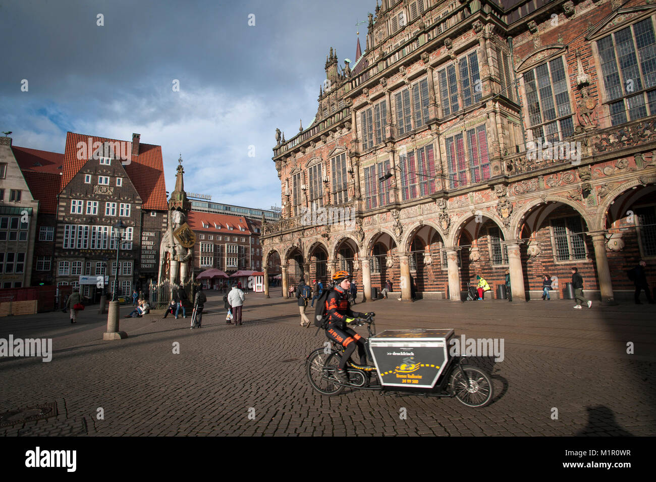 Daily life at The Am Markt, in the centre of historical Bremen, Germany. - Stock Image