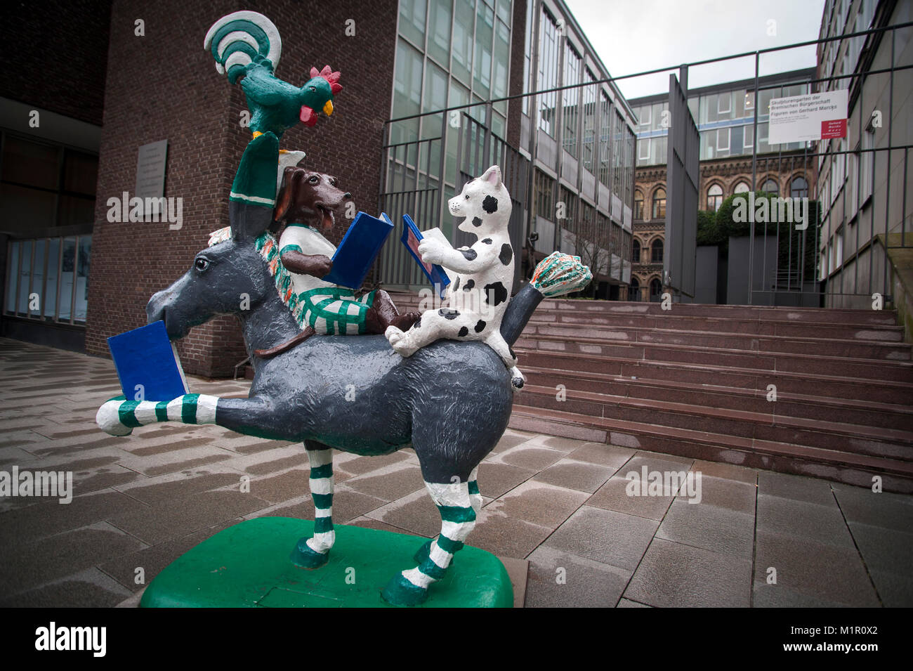 The 'Town Musicians of Bremen' a fairytale by the Brothers Grimm off the Market Square in Bremen, Germany. - Stock Image