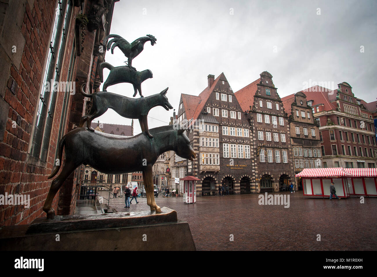 A bronze statue by Gerhard Marcks depicting the Bremen Town Musicians located just off the market square in Bremen, - Stock Image