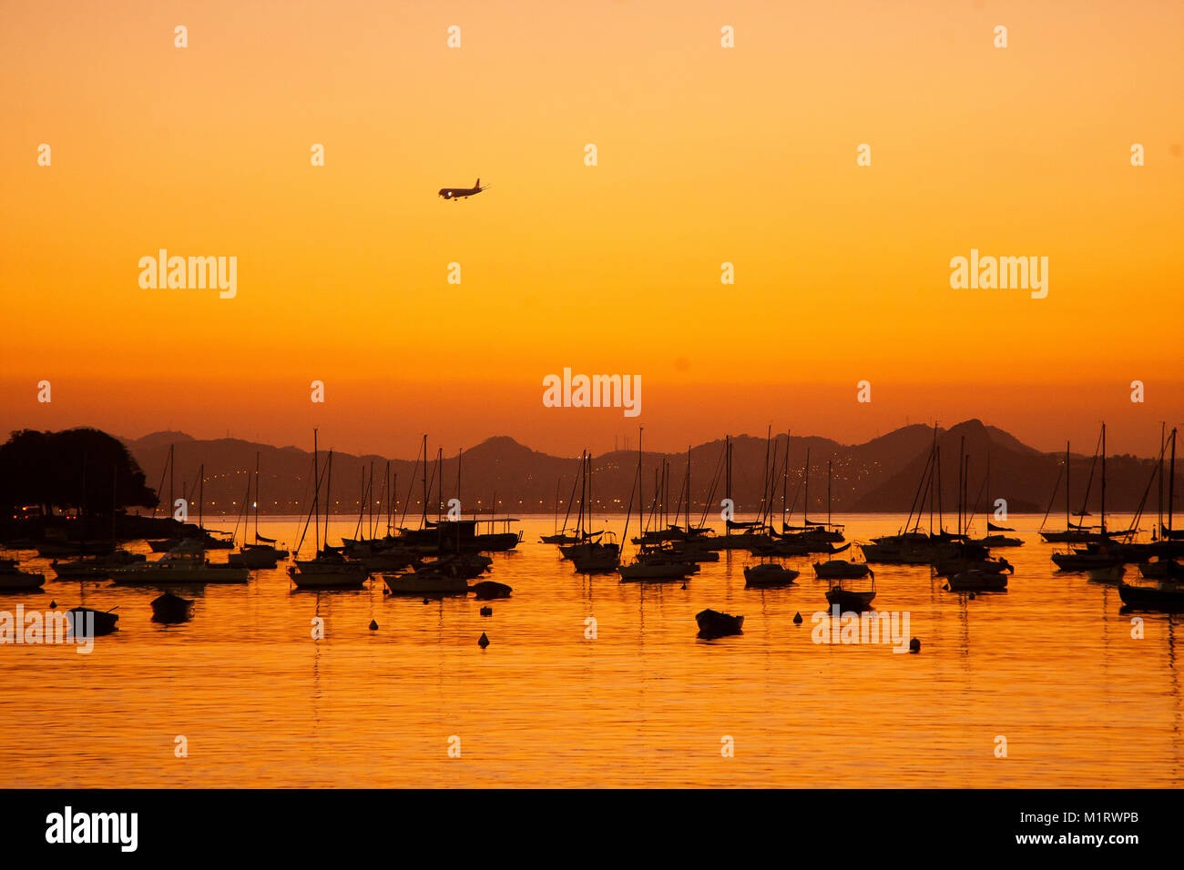 Early in the morning in Botafogo beach at Guanabara Bay, Rio de Janeiro, Brazil - Stock Image