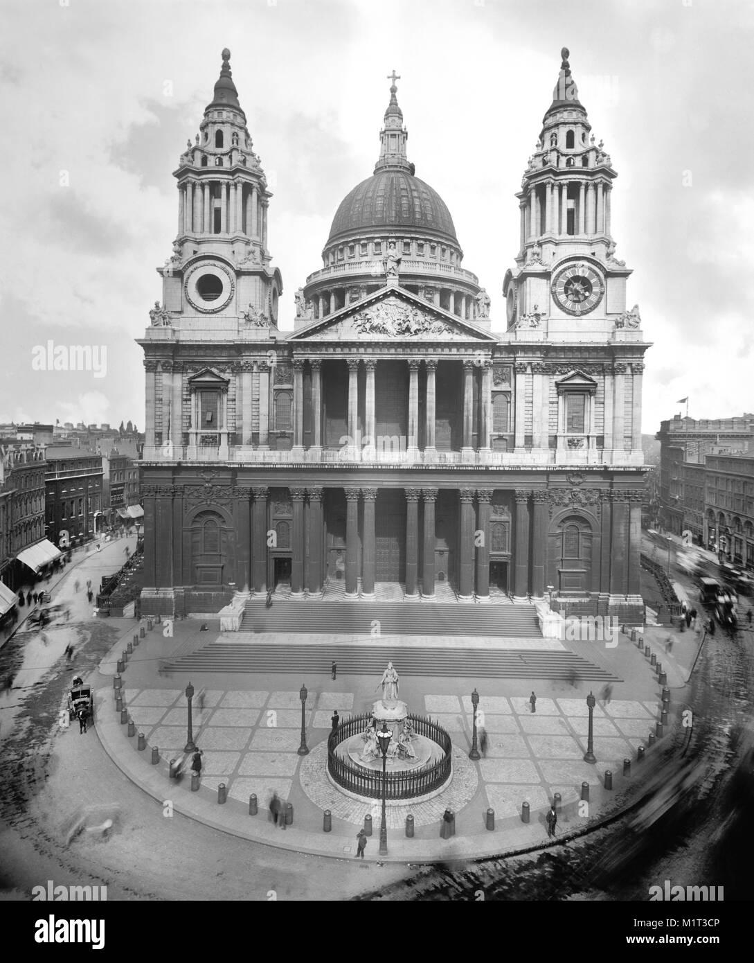 Saint Paul's Cathedral, London, England, UK, Detroit Publishing Company, early 1910's - Stock Image