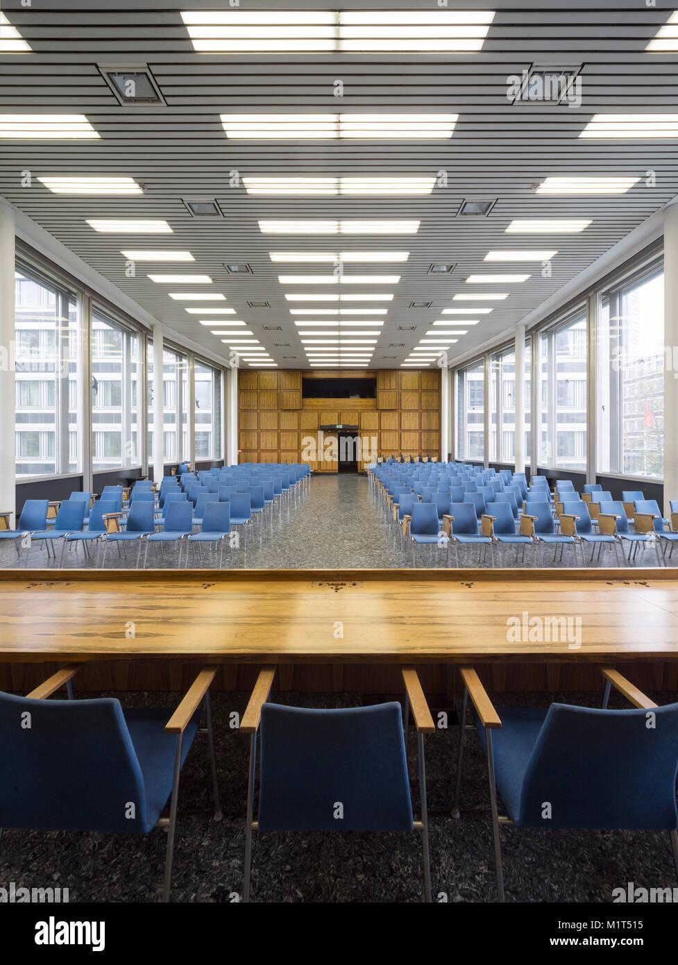 Bonn, Regierungsviertel (Bundesviertel, Parlamentsviertel), Allianzbauten am Tulpenfeld, 1964-1969 von Hanns Dustmann erbaut, Pressehaus des Deutschen Stock Photo