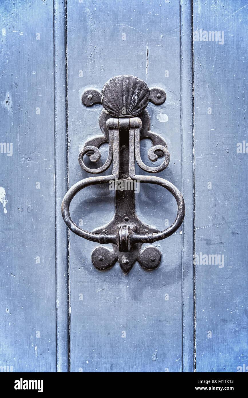 Beau Old Vintage Door Knocker On An Old Blue Wooden Door
