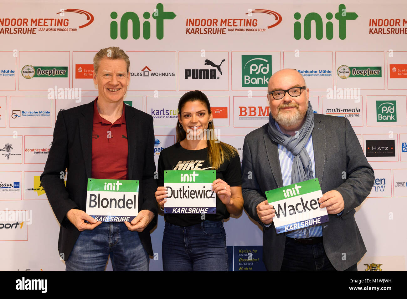 Karlsruhe, Deutschland. 02nd Feb, 2018. Meeting Direktor Alain Blondel, Huerdenlaeuferin Pamela Dutkiewicz (GER), - Stock Image