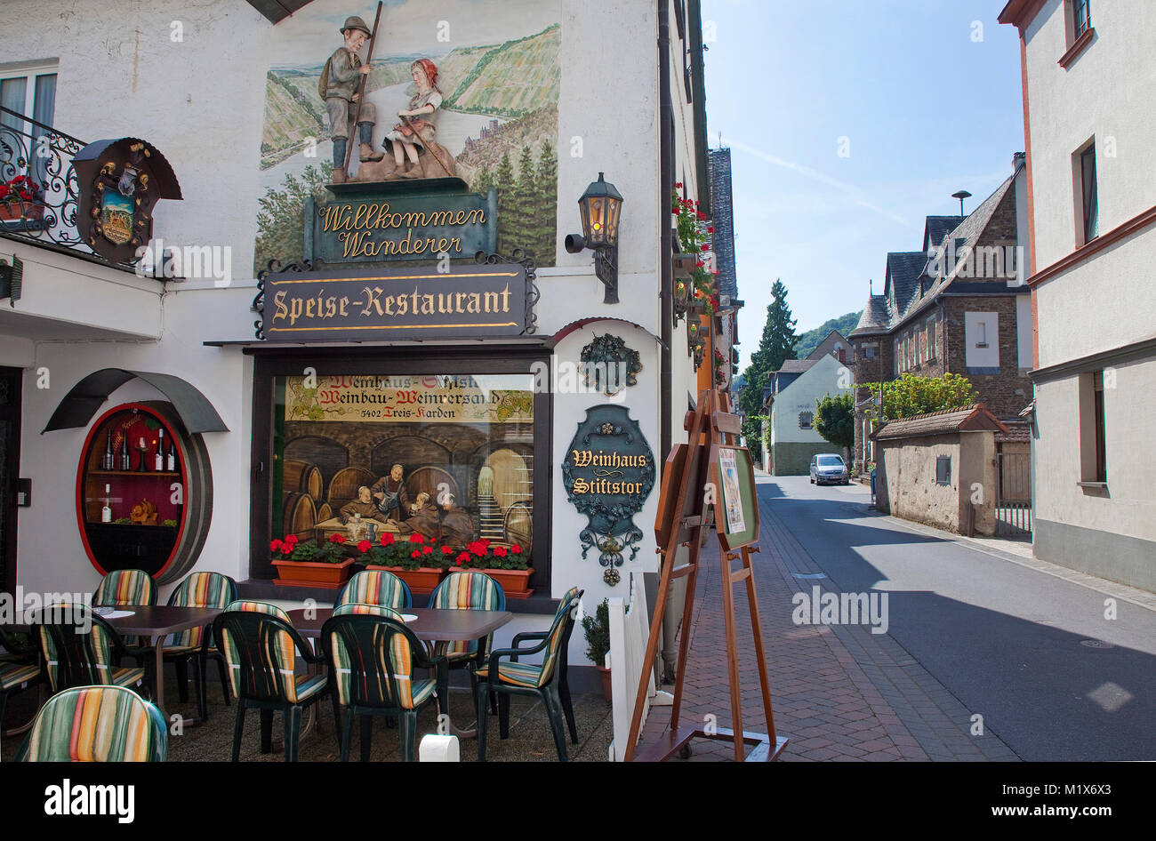 Wine tavern Stiftstor, Treis-Karden, Moselle river, Rhineland-Palatinate, Germany, Europe Stock Photo