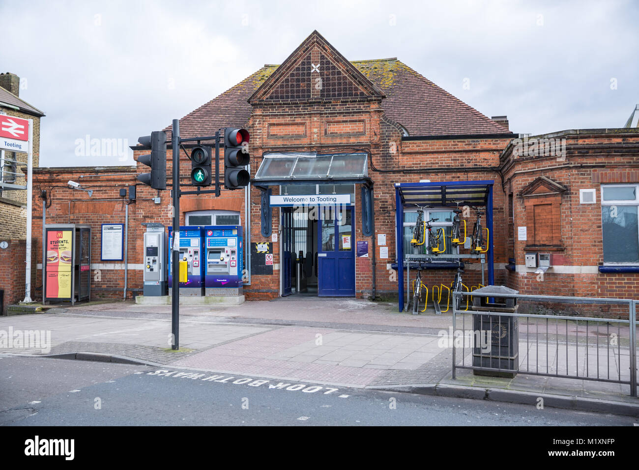 Tooting Stock Photos Amp Tooting Stock Images Alamy