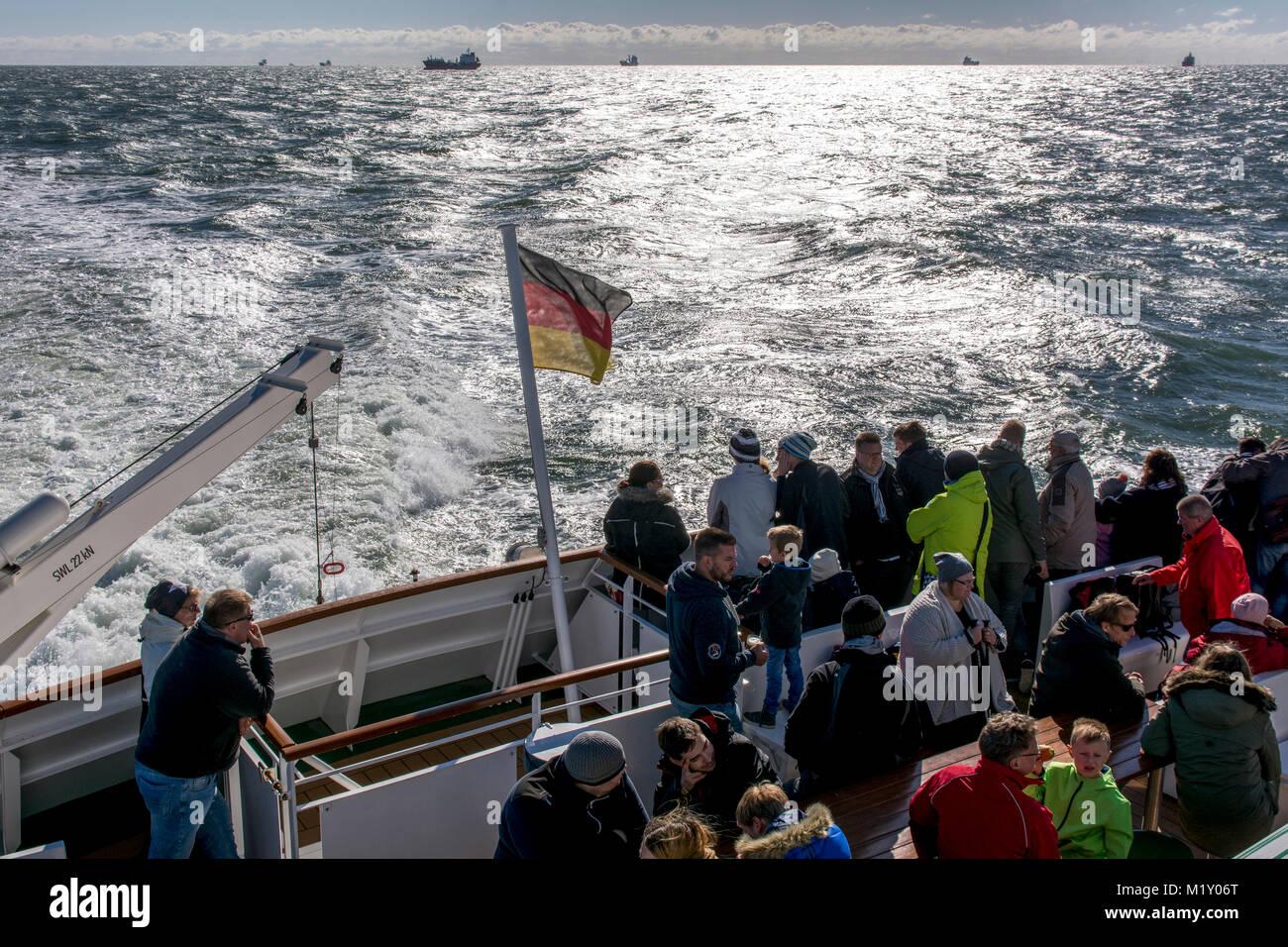 "On the way to Helgoland, the German island in the Northsea. Schiffsausflug nach Helgoland mit der ""MS Helgoland"" Stock Photo"