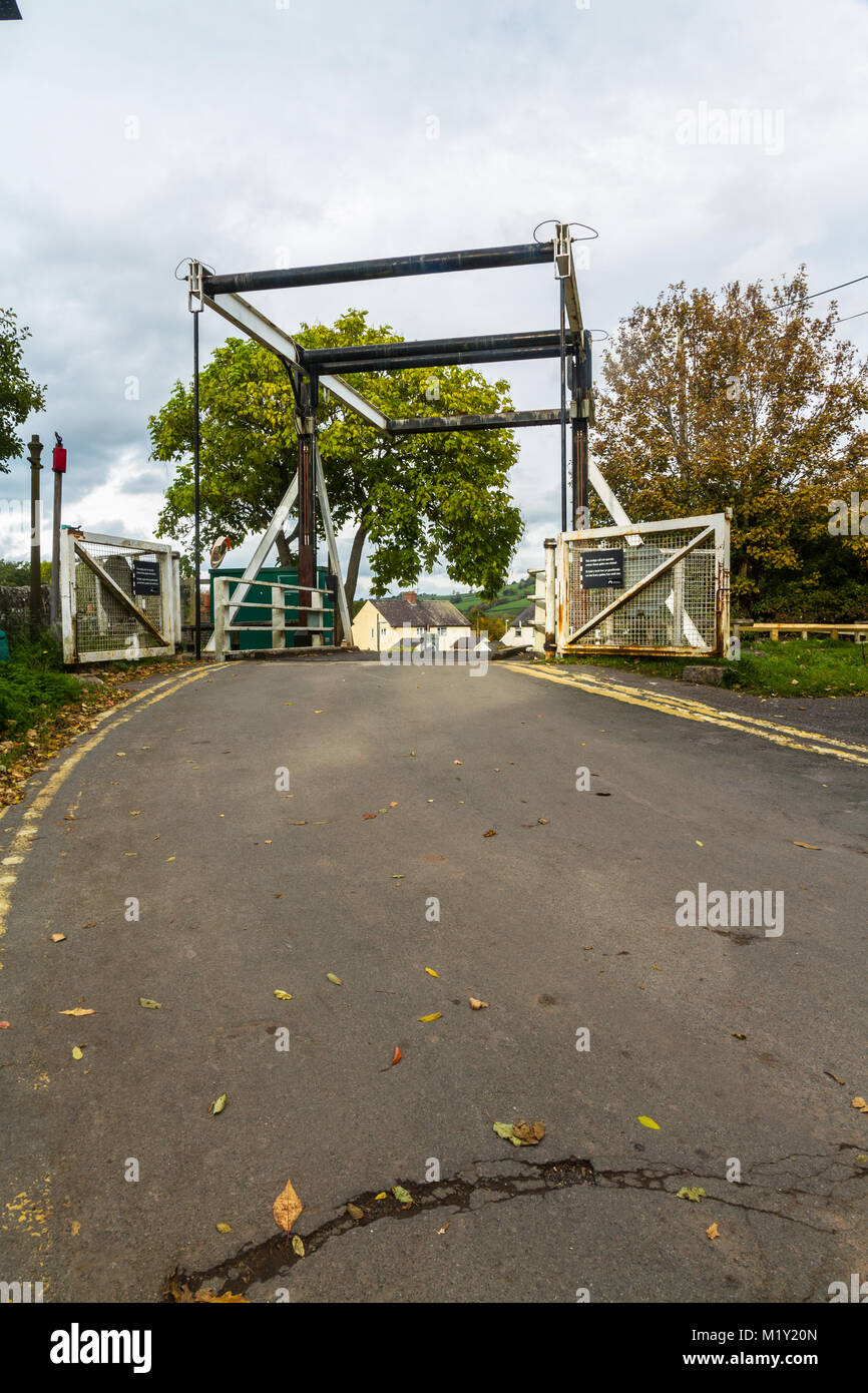 Canal lift bridge. The Monmouthshire and Brecon Canal, Talybont on Usk, Wales, United Kingdom. - Stock Image