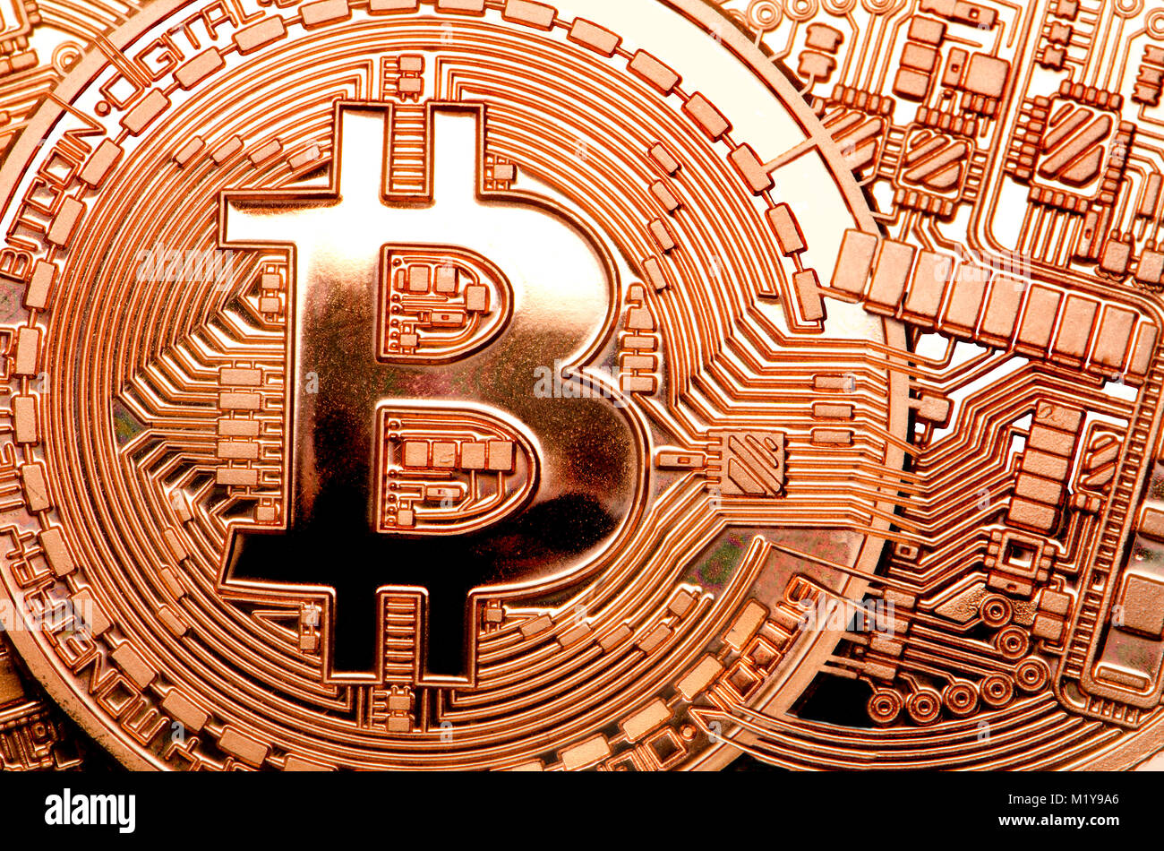 Bitcoin cryptocurrency / payment system (Copper Bitcoin Commemorative Round .999 bullion) Electronic currency - - Stock Image