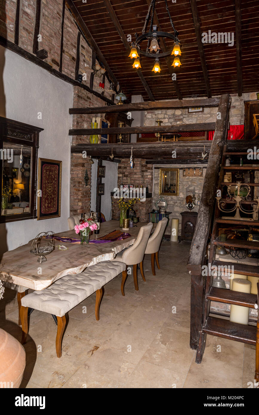 Authentic vintage interior with antique furniture - Stock Image