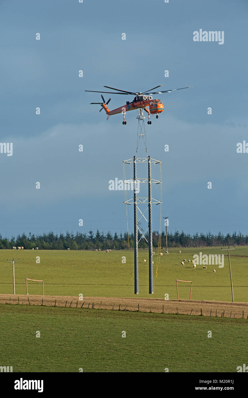 A sikorsky Erickson Air Crane shipped-over to Scotland to complete a pylon line project for SSE (Scottish and Southern - Stock Image