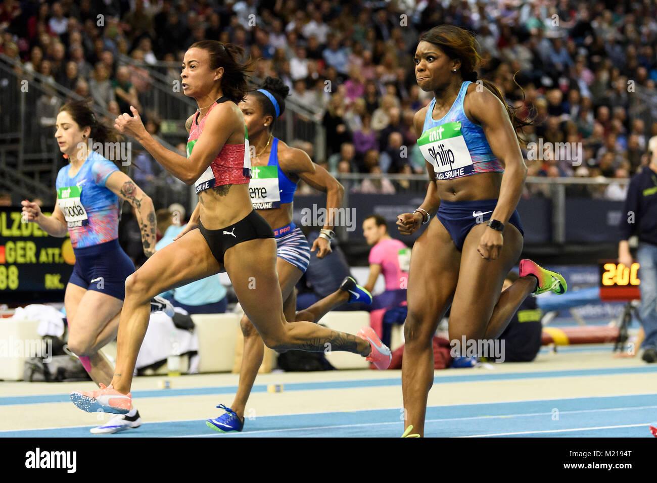 Karlsruhe, Deutschland. 03rd Feb, 2018. 60m Frauen: Siegerin, Gewinnerin Tatjana Pinto (GER), withte, rechts Asha - Stock Image