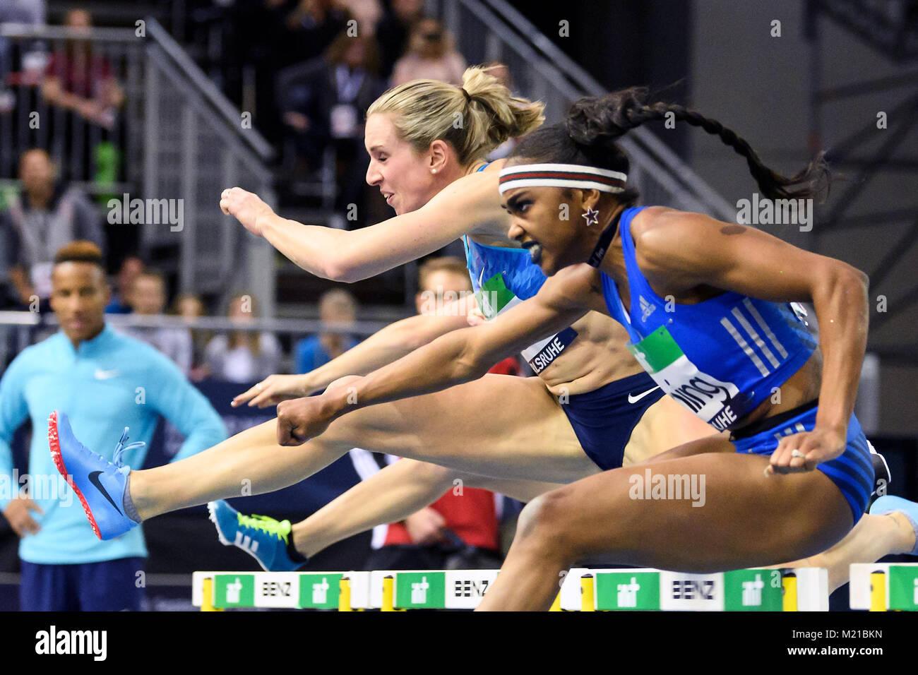 Karlsruhe, Deutschland. 03rd Feb, 2018. 60m Huerden Frauen: Cindy Roleder (GER, li) belegt Platz drei, hiter Christina - Stock Image