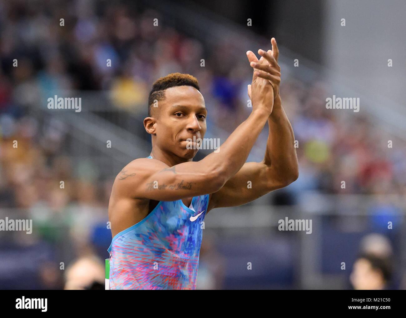 Karlsruhe, Deutschland. 03rd Feb, 2018. Stabhochsprung: Sieger, Gewinner Raphael Holzdeppe (GER) Portrait, Portrà - Stock Image