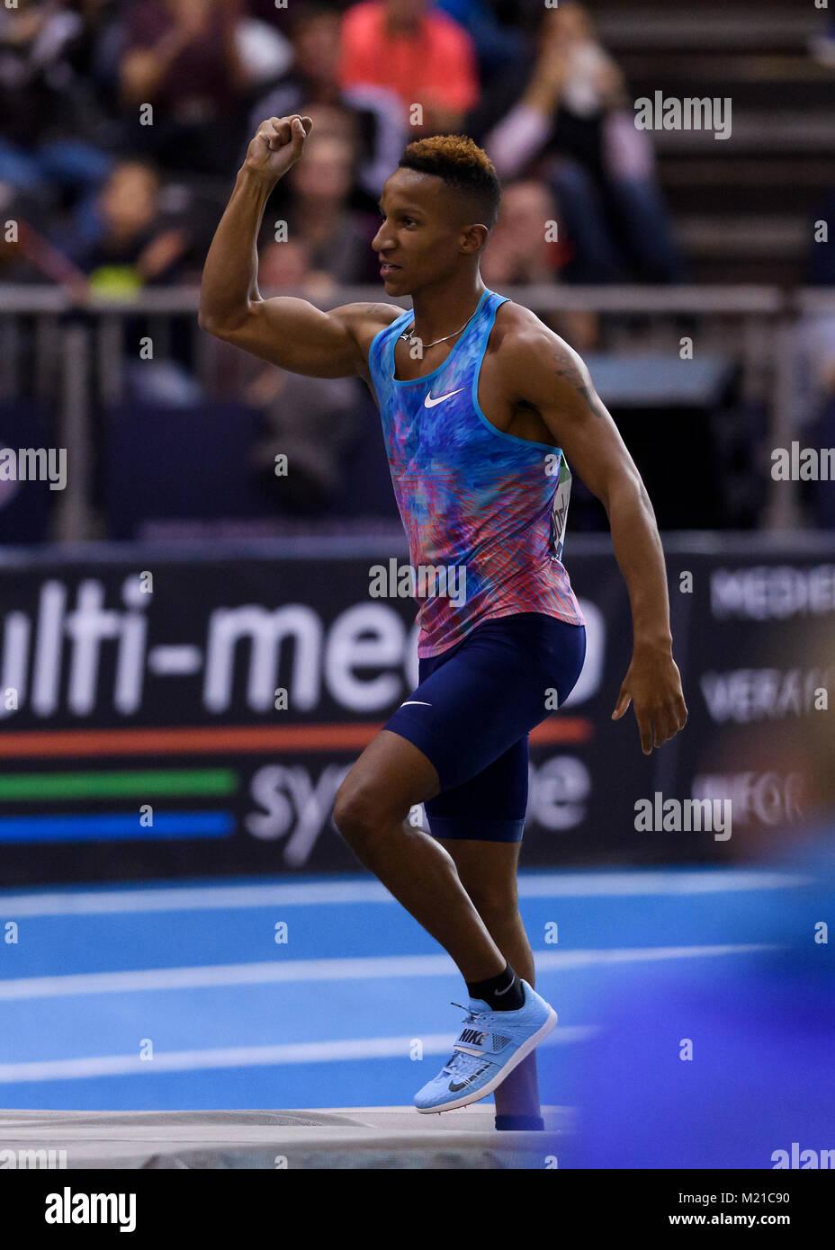 Karlsruhe, Deutschland. 03rd Feb, 2018. Stabhochsprung: Sieger, Gewinner Raphael Holzdeppe (GER). GES/ Leichtathletik/ Stock Photo
