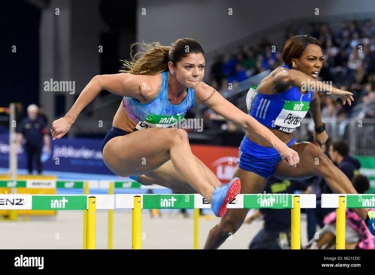 Karlsruhe, Deutschland. 03rd Feb, 2018. 60m Huerden Frauen: Pamela Dutkiewicz (GER), Tiffany Porter (GBR)(von links). - Stock Image