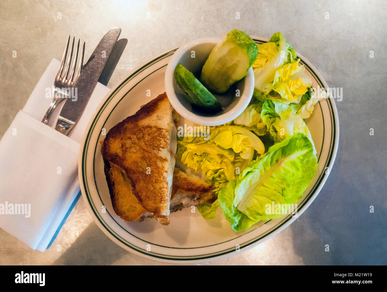 French onion sandwich with salad at Houseman in SoHo, New York City - Stock Image