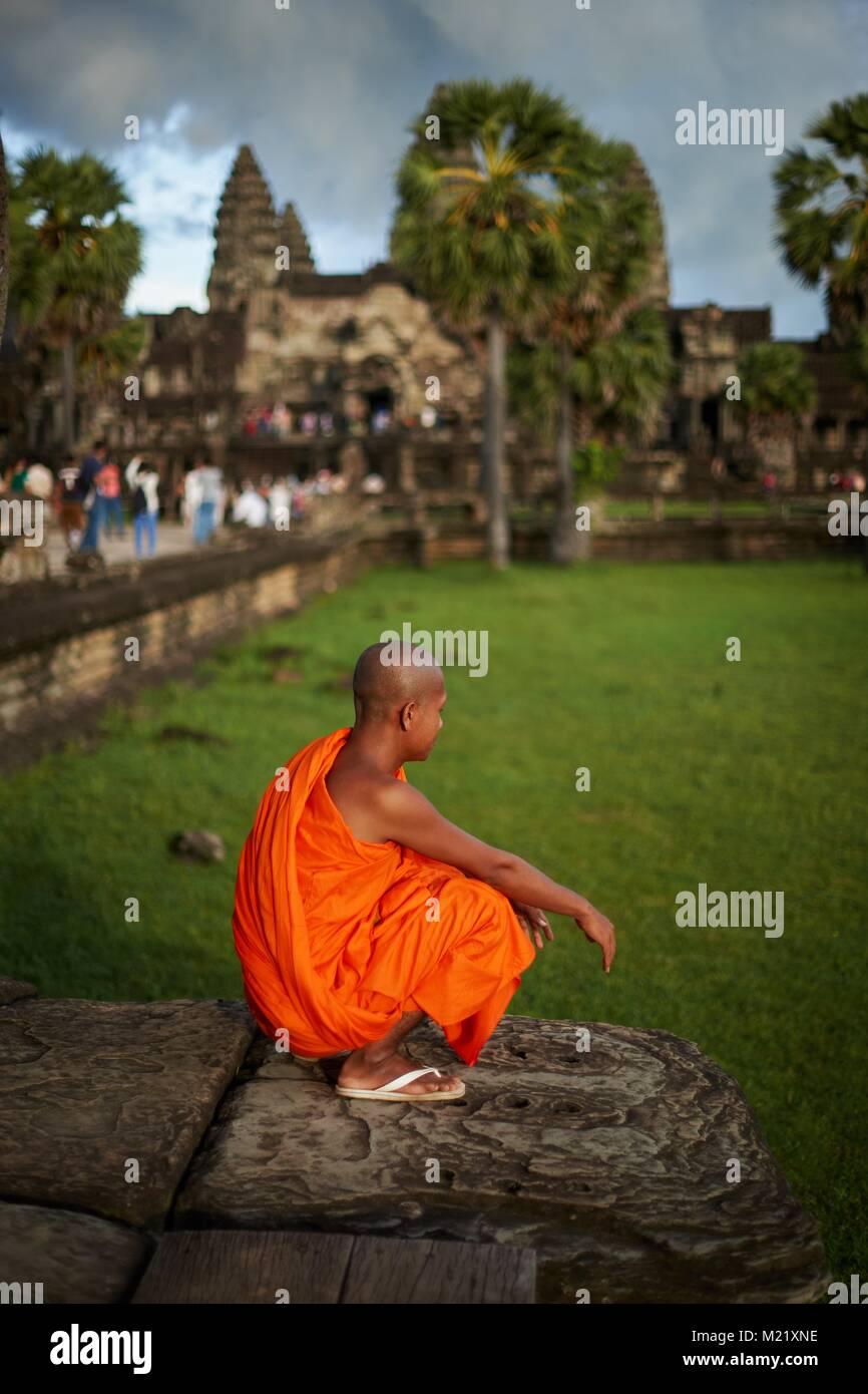 Monk in Angkor Wat, Angkor, Cambodia - Stock Image