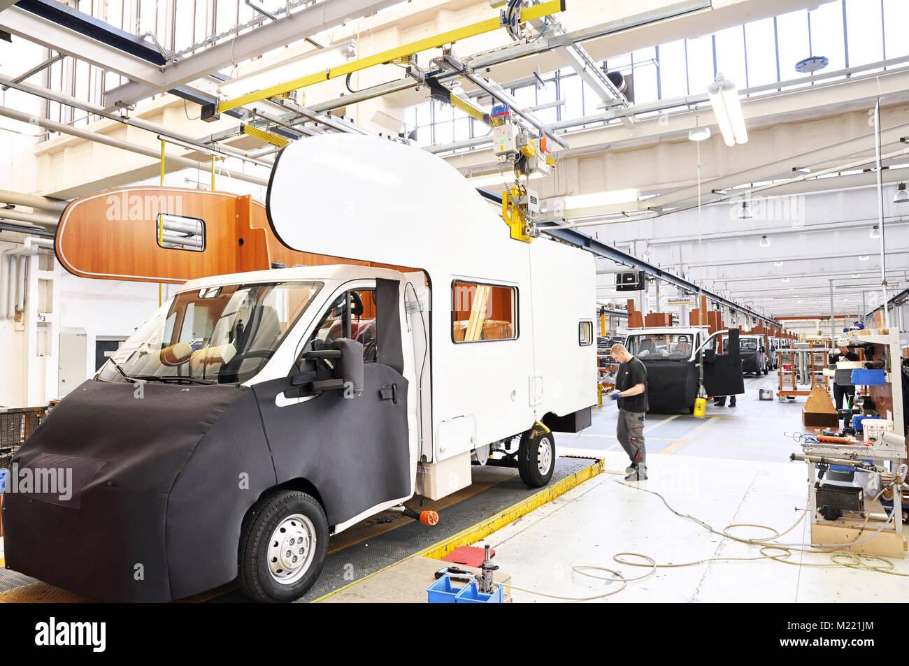production of camper vans/ motorhomes/ caravans in a factory - Stock Image
