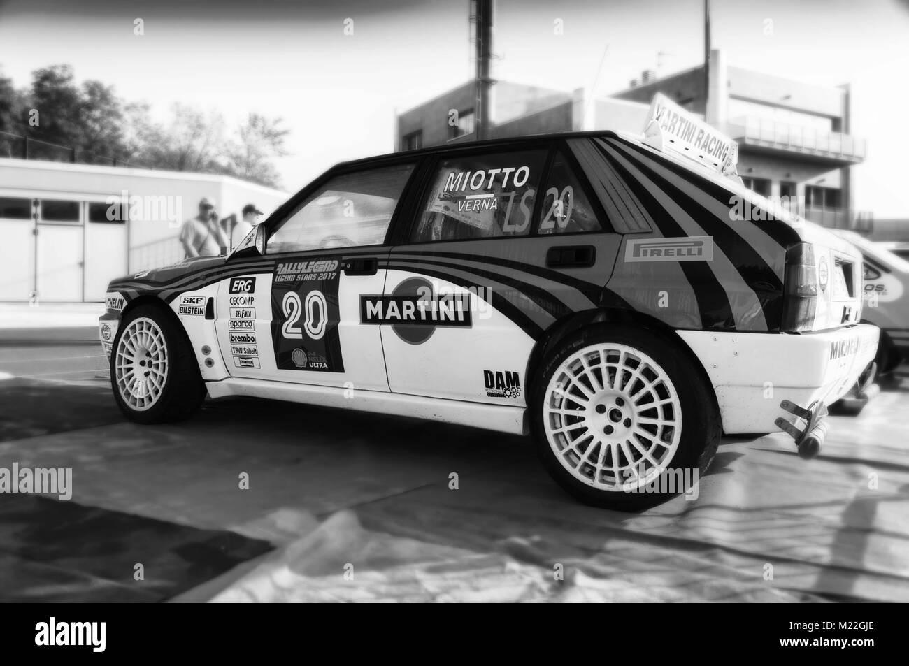SANMARINO, SANMARINO - OTT 21, 2017 : LANCIA DELTA INT 16V 1994 in old racing car rally THE LEGEND 2017 the famous - Stock Image
