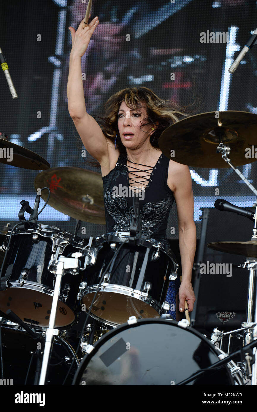WESTON, FL - APRIL 02: Roxy Petrucci of Vixen performs at Rockfest 80s held at Markham Park on April 2, 2016 in - Stock Image