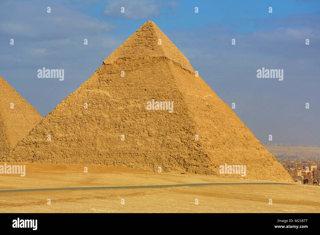 The Pyramid of Khafre (or Chephren) on the Giza Plateau, Cairo, Egypt - Stock Image