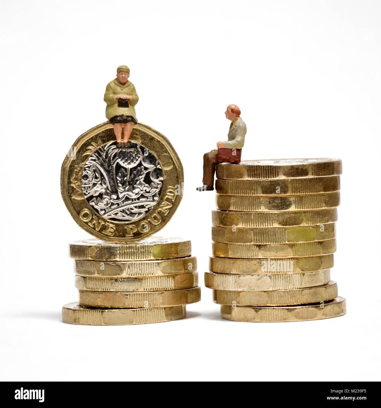Pension gap retirement income concept - Stock Image