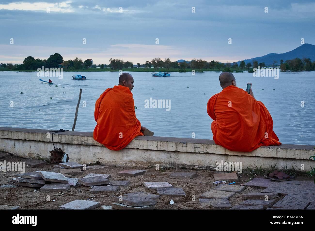 Cambodian monk having selfy, Kompong Chhnang, Cambodia - Stock Image