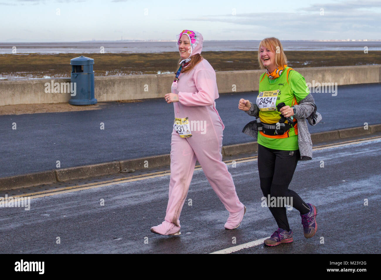 Southport, Merseyside. 4th February, 2018.  The seventh Mad Dog 10k race with runners turning up in fancy dress. Stock Photo