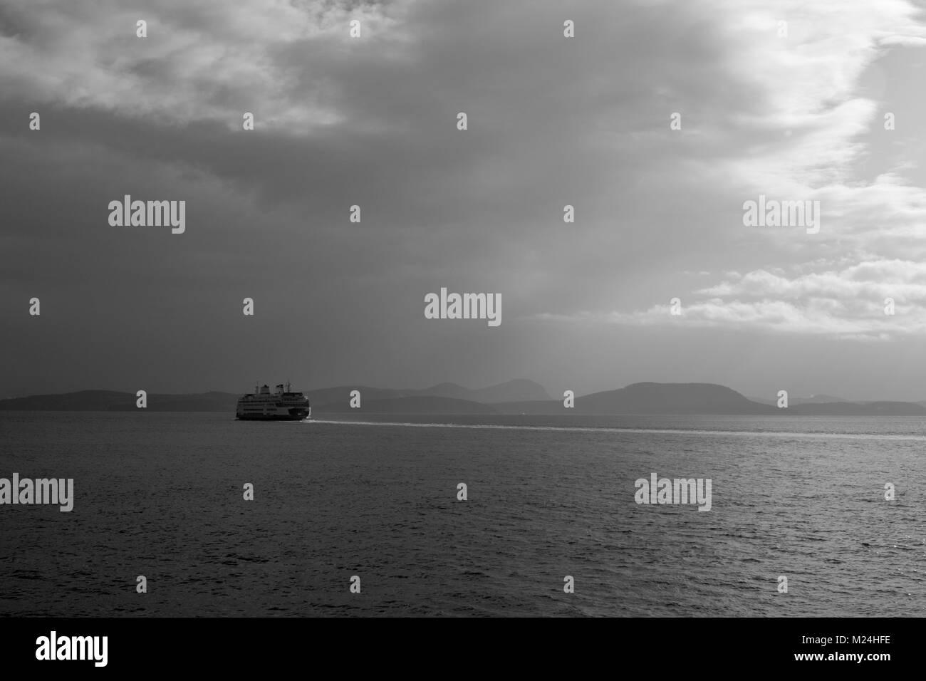 Washington State Ferry in the Straight of Juan de Fuca. - Stock Image