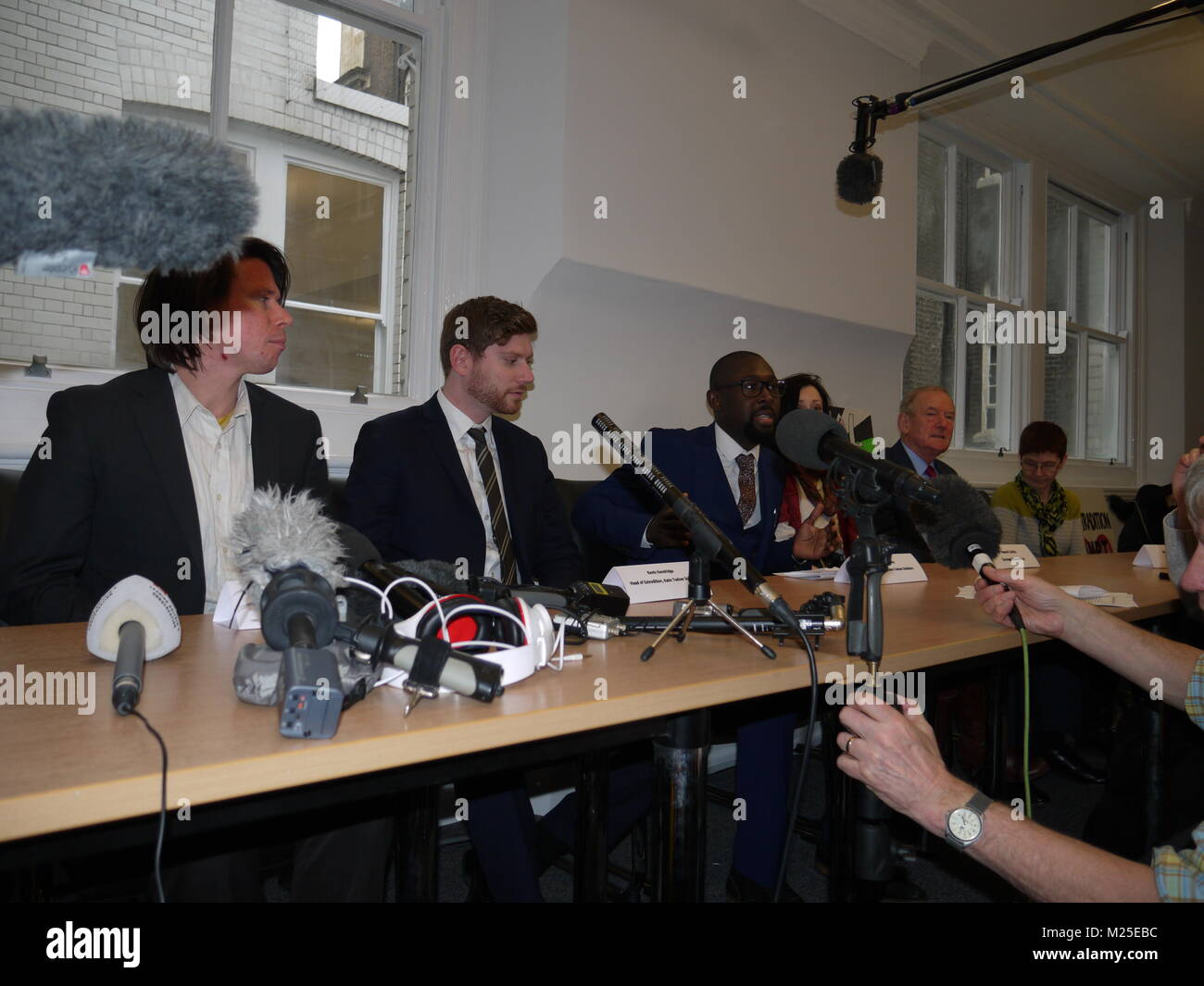 London, UK. 5th February, 2018. Lauri Love Wins Extradition Battle, London, UK. 5th February, 2018. Lauri Love wins Stock Photo