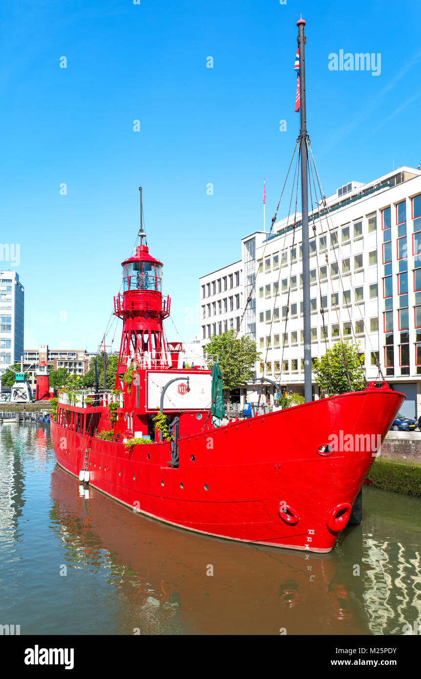 Netherlands, Rotterdam, A lighthouse boat in the Wijnhaven canal area Stock Photo