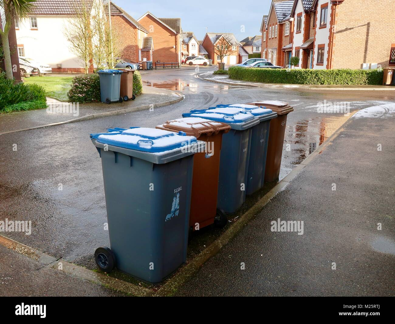 wheely bins uk stock photos wheely bins uk stock images. Black Bedroom Furniture Sets. Home Design Ideas