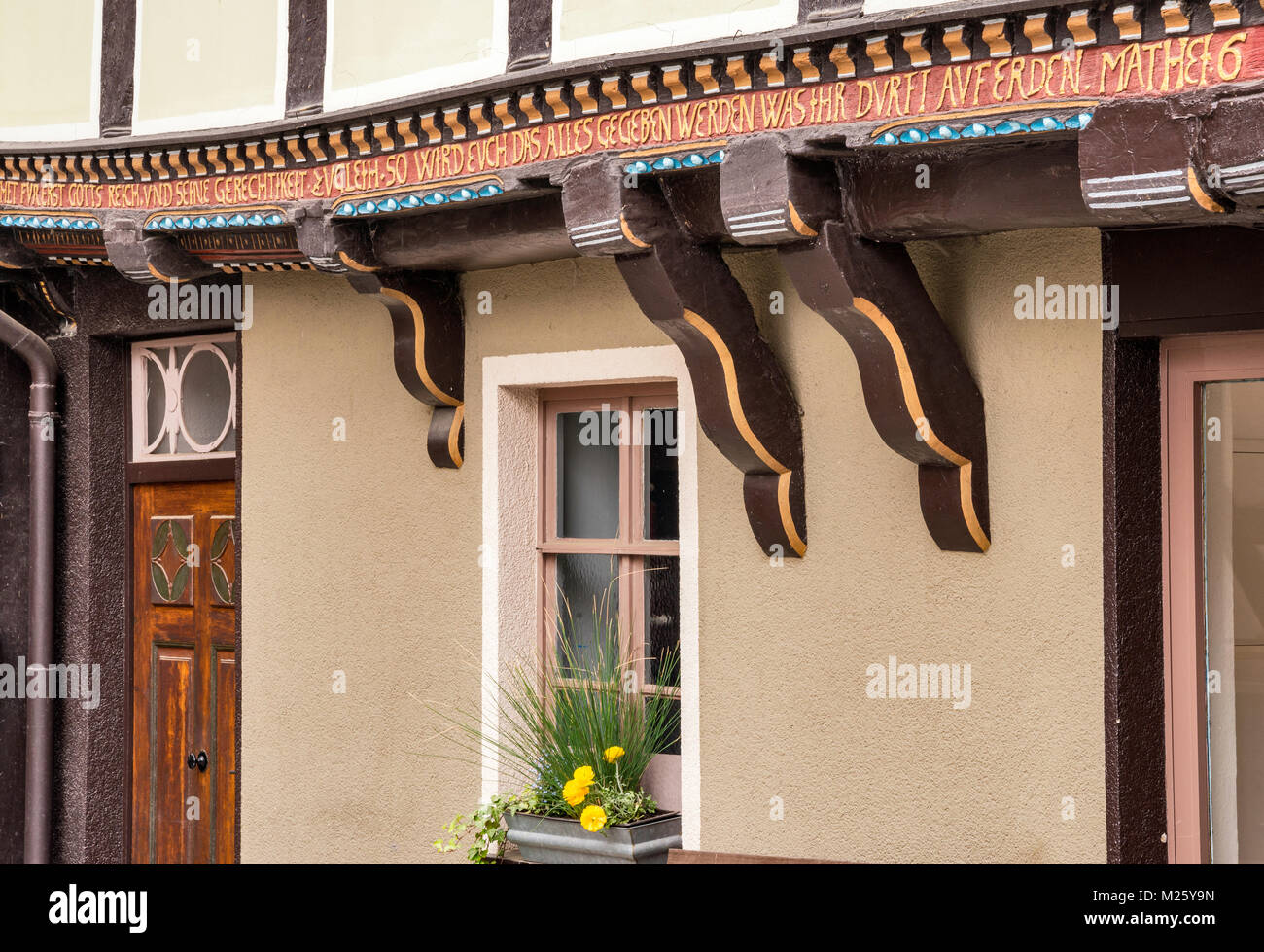 Inscription on half-timbered house at Sydekumstrasse in Hann Munden, Lower Saxony, Germany - Stock Image