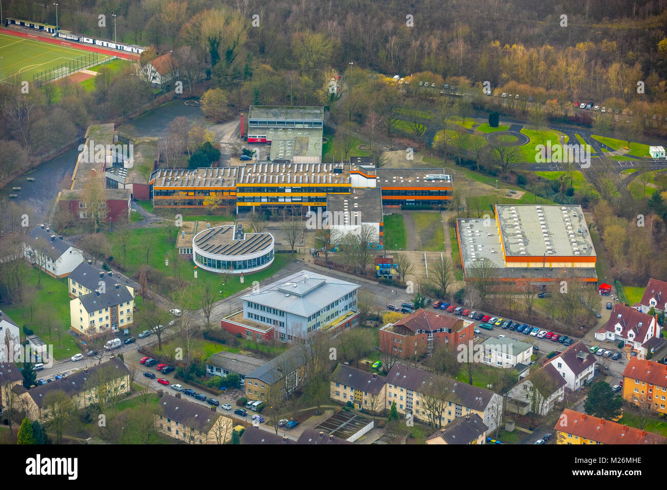 Aerial photos of the Kathe Kollwitz School in Luenen in the district Gahmen. At this school, a 15-year-old student - Stock Image
