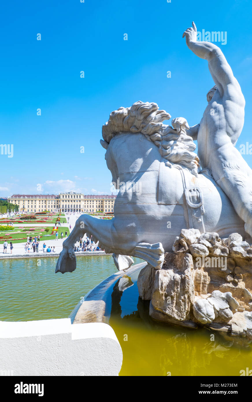 Austria, Vienna,  The garden and the rear facade of the Schonbrunn Palace seen from the Neptune fountain - Stock Image