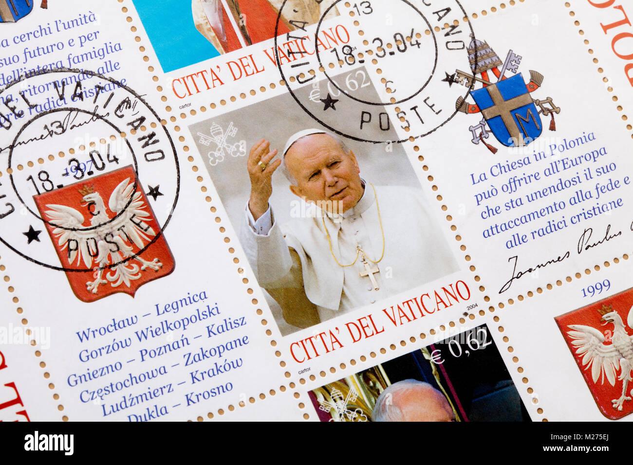 Stamps from the Vatican on a letter, Stamped, Vatican, Italy, Europe, Gestempelte Briefmarken aus dem Vatikan, Johannes Stock Photo