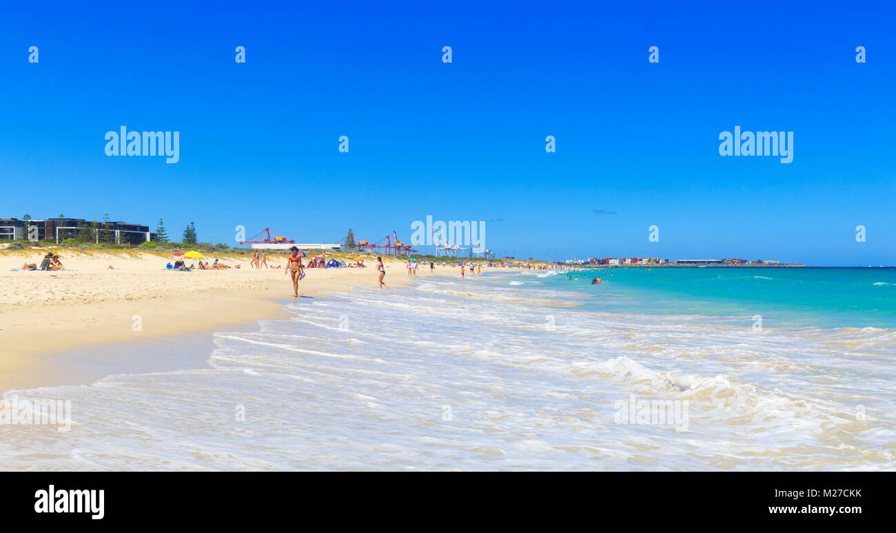 Leighton Beach looking south towards Port Beach and Fremantle. Western Australia - Stock Image