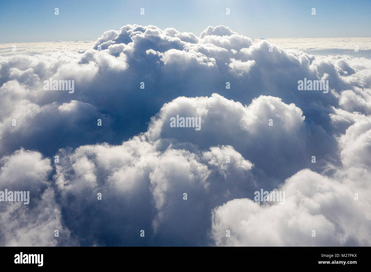 Dichte Wolkendecke aus dem Flugzeug fotografiert, Deutschland, Europa | Heavy cloud cover, photographed from a airplane, - Stock Image