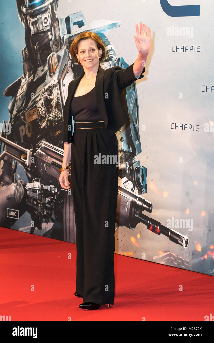 sigourney weaver on the red carpet at the premiere of - chappie - at the mall of berlin at potsdamer platz in berlin. - Stock Image