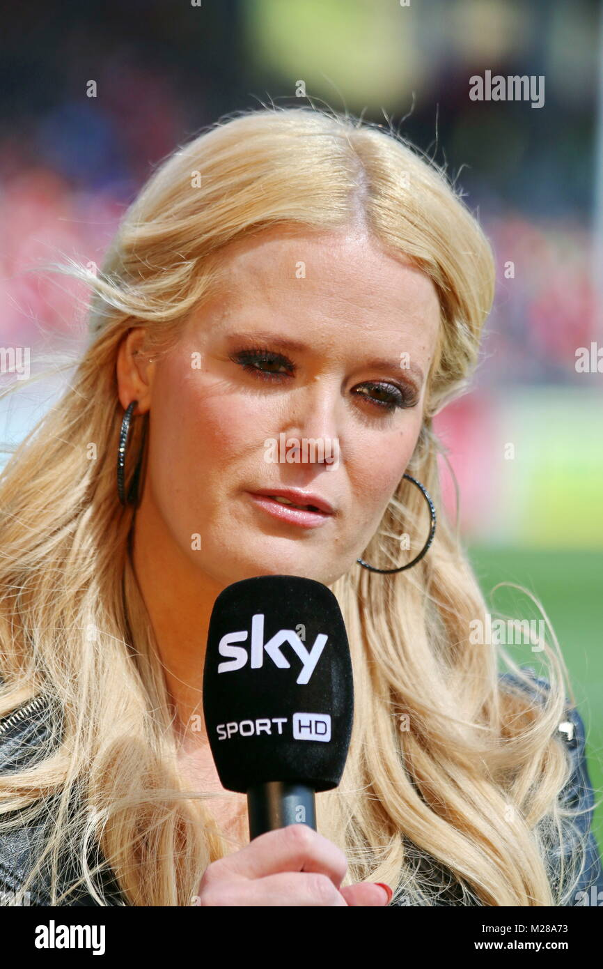 Sky Moderatorin Anna Sarah Lange Fussball Bundesliga 14 15