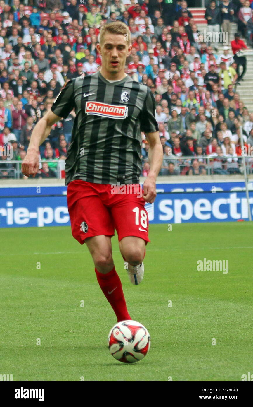 Nils Petersen (Freiburg) am Ball - Fußball-Bundesliga 14/15: 30. Spieltag, SC Freiburg vs VfB Stuttgart - Stock Image