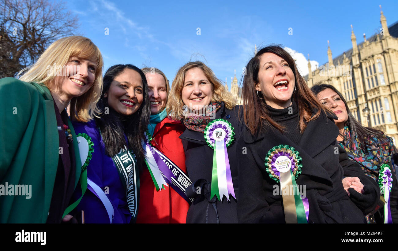 London, UK.  6 February 2018.  (R) Liz Kendall joins female members of the Shadow Cabinet and Labour politicians - Stock Image