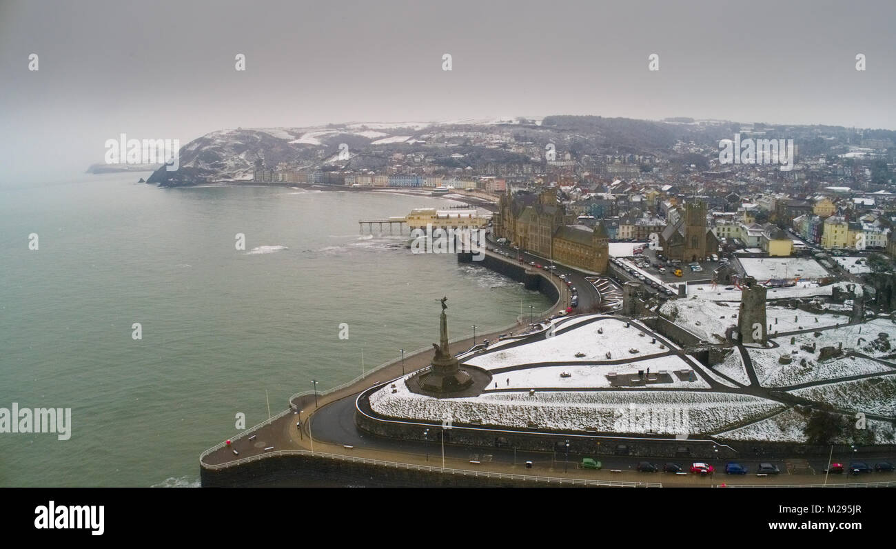 UK Weather: Snow fall at Aberystwyth Castle, Ceredigion