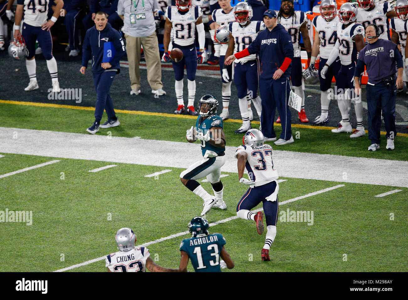 February 04, 2018 Philadelphia Eagles running back Corey Clement (30) makes a catch during Super Bowl LII between - Stock Image