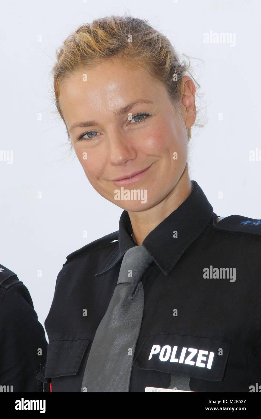 Hafenkante nackt notruf stars Anne Schäfer