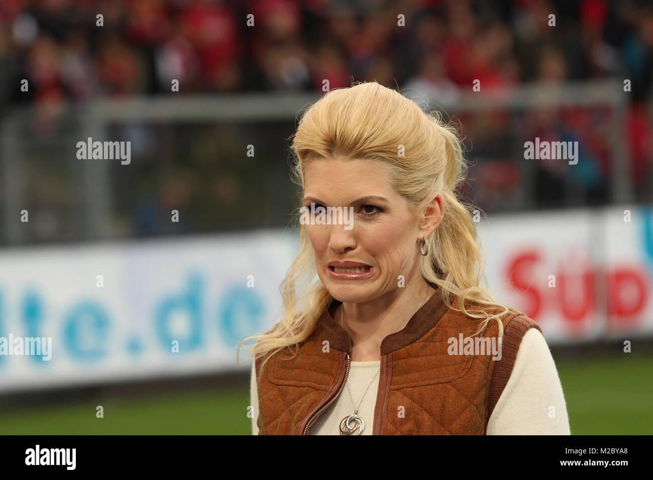 Jessica Kastrop Sky Moderatorin Fussball Bundesliga 10