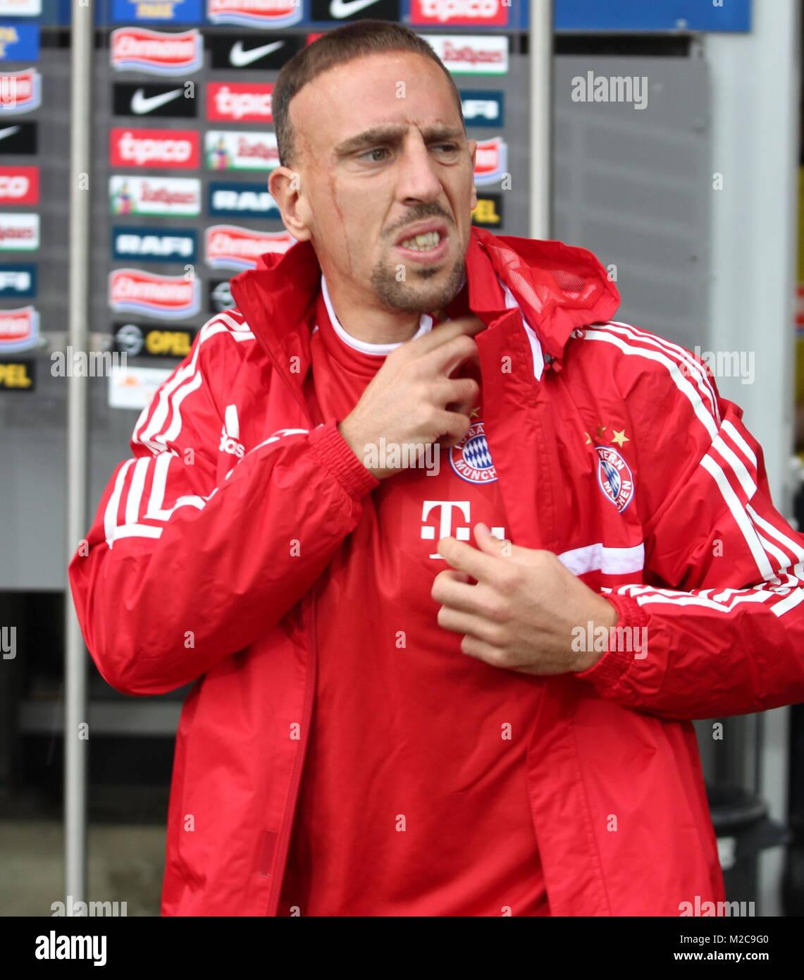 Franck Ribery guckt grisgrämig drein, in Freiburg saß der Franzose zunächst auf der Reservebank  - Stock Image