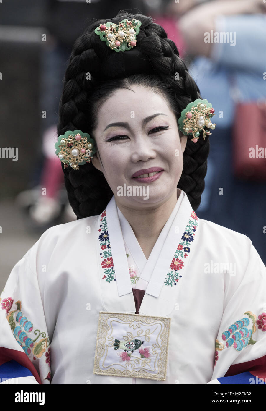 2e2c5c0a4 Traditional Costume Korea Stock Photos & Traditional Costume Korea ...